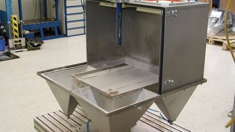 Staubprüfkammer für gefederte Fahrzeugsitze